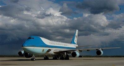 Capt.60aa532ed75140f185fa030b6f2b8891.obama_mdmc104.jpg